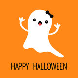 Het grappige vliegende spook van het babymeisje met zwarte boog Het glimlachen gezicht Gelukkig Halloween De kaart van de groet L Stock Afbeelding