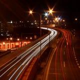Het grauwen van het verkeer bij avond royalty-vrije stock fotografie
