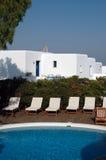 Het Griekse hotel van de pool Royalty-vrije Stock Foto's
