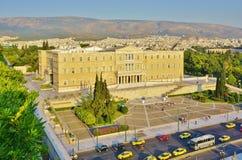 Het Griekse Parlement op Syntagmavierkant in Athene Royalty-vrije Stock Afbeeldingen