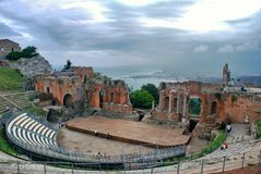 Het Griekse Theater van Taormina Stock Afbeeldingen