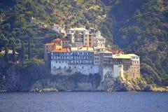 Het Grigoriouklooster zet Athos Greece op stock foto's