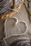 Het grijze hart op stof Stock Fotografie