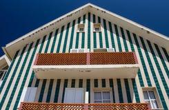 Het groene Gestreepte Huis van de Strandhut Royalty-vrije Stock Foto's