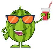 Het groene Karakter van de het Beeldverhaalmascotte van het Watermeloen Verse Fruit met Zonnebril die en een Glas Sap voorstellen stock illustratie