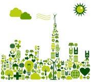 Het groene silhouet van de Stad met milieupictogrammen Stock Foto's
