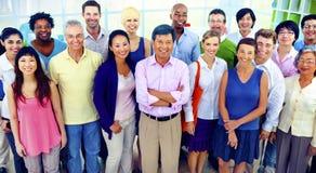 Het Groepswerkconcept diversiteits van het Bedrijfssamenwerkingsvennootschap royalty-vrije stock foto's