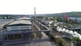 Het grondgebied van de fabriek van een hoogte stock footage