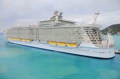 Het grootste cruiseschip van de wereld Royalty-vrije Stock Foto's
