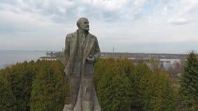 Het grootste standbeeld van Lenin stock videobeelden