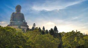 Het grote beeldhouwwerk van Boedha Stock Foto