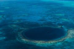 Het Grote Blauwe Gat, Belize stock afbeeldingen