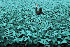 Het grote gegevensconcept, zakenman werd overstroomd met reusachtige groene karakters royalty-vrije stock afbeelding