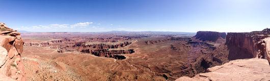 Het grote gezichtspunt overziet panorama, Canyonlands, blauwe hemel Royalty-vrije Stock Afbeeldingen