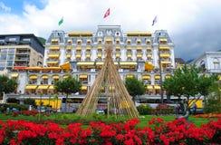 Het Grote Hotel Majestueuze Suisse van Montreux Stock Fotografie