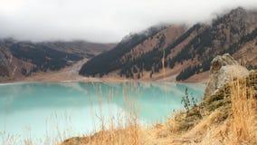 Het grote meer van Alma Ata stock videobeelden