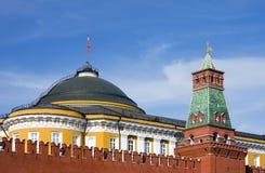 Het grote Paleis van het Kremlin en de toren van de Senaat stock foto's