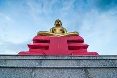 Het grote standbeeld van Boedha en Blauwe Hemel Royalty-vrije Stock Fotografie