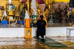 Het grote standbeeld van Boedha in Phucket Thailand stock afbeeldingen