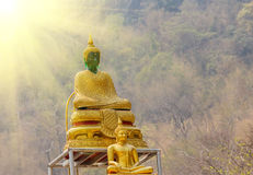 Het grote standbeeld van Boedha in zonsondergang Thailand Royalty-vrije Stock Fotografie