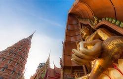 Het grote standbeeld Wat Tham Sua van Boedha Royalty-vrije Stock Afbeeldingen