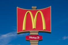 Het grote Teken van McDonald ` s Stock Afbeeldingen