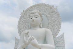 Het grote witte beeld van Boedha Royalty-vrije Stock Afbeelding