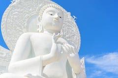 Het grote witte beeld van Boedha Royalty-vrije Stock Afbeeldingen