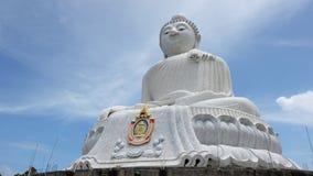 Het grote Witte standbeeld van Boedha in Phuket royalty-vrije stock foto's