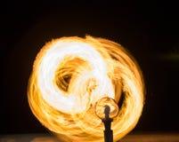 Het hanteren van vuurbol Stock Afbeeldingen