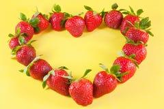Het hart van aardbeien Stock Foto's