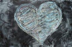 Het hart van de valentijnskaart dat met krijt wordt getrokken Stock Afbeeldingen
