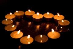 Het hart van Valentin 's dat van kaarsen wordt gemaakt Royalty-vrije Stock Afbeelding