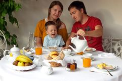 Het hebben van ontbijt Royalty-vrije Stock Afbeeldingen