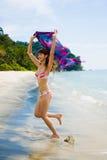 Het hebben van pret bij het strand Stock Foto