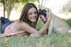 Het hebben van pret met mijn hond Royalty-vrije Stock Foto
