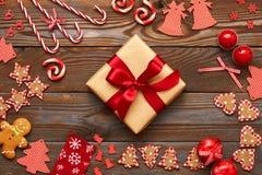 Het heden en de decoratie van Kerstmis Stock Foto's
