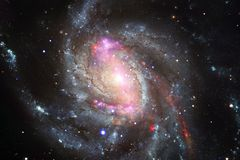 Het heelal vulde sterren, nevel en melkweg Kosmische kunst, science fictionbehang stock afbeelding