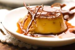 Het heerlijke dessert van de roomkaramel Stock Afbeelding