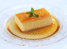 Het heerlijke dessert van de roomkaramel Stock Afbeeldingen