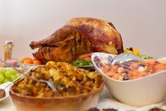 Het heerlijke Extravagante Diner van Dankzeggingsturkije Stock Foto's