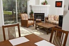 Het heldere Zonnige Flatgebouw met koopflats van Californië Royalty-vrije Stock Foto's