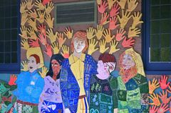 Het helpen van Handenmuurschildering Belgrave Victoria Stock Foto