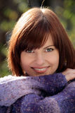 Het herfst vrouw glimlachen Stock Foto