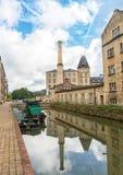 Het herstelde Stroudwater-kanaal die Ebley-Molens, Stroud, Engeland doornemen royalty-vrije stock fotografie