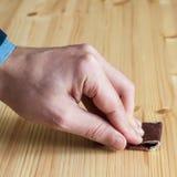 Het herstellen van een houten meubilair Stock Fotografie