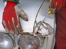 Het herstellen van oude auto Stock Afbeelding