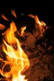 Het het branden stuk karton en as Royalty-vrije Stock Afbeeldingen