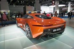 Het het conceptenvoertuig van Jaguar c-X75 vormt de Spookfilm Stock Afbeeldingen