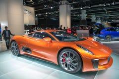 Het het conceptenvoertuig van Jaguar c-X75 vormt de Spookfilm Stock Fotografie
